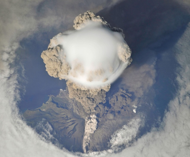 sarychev_peak_eruption